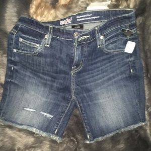 BNWOT Women's  Mossimo  Jean Shorts  26 W or 2